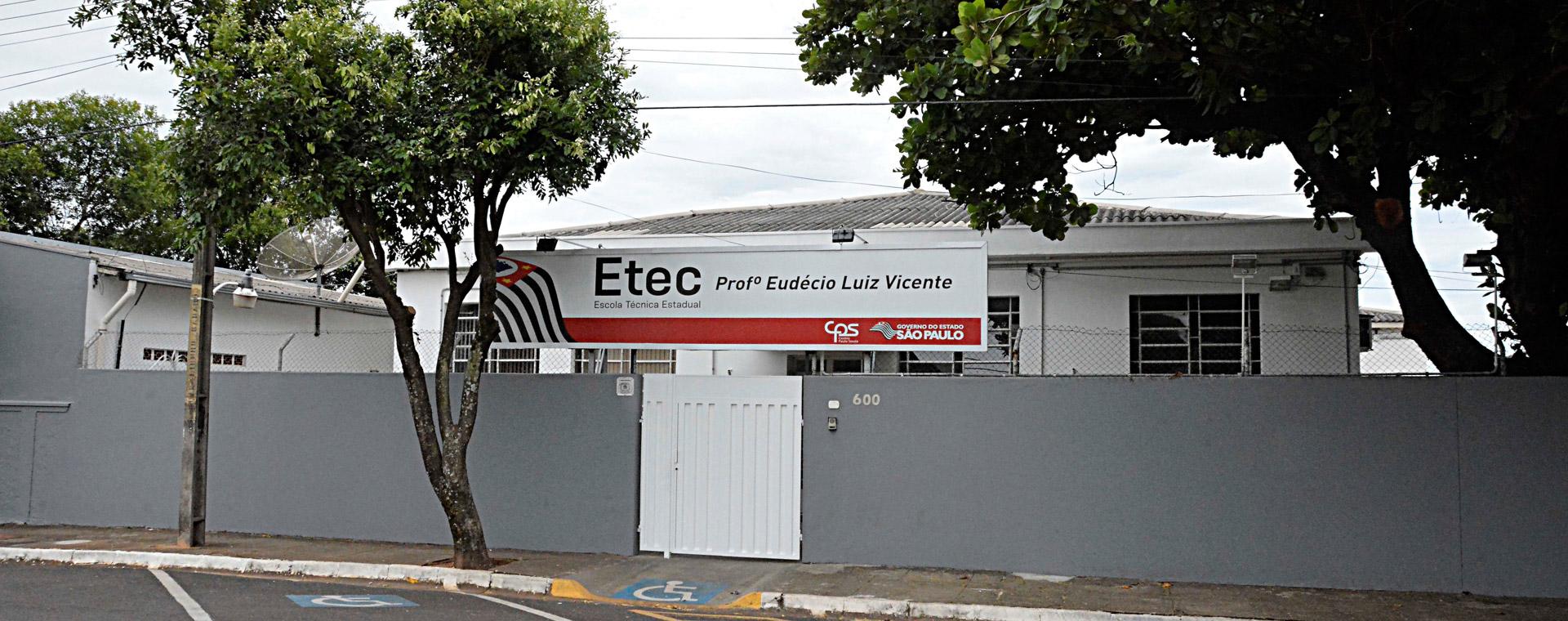 Fachada Etec